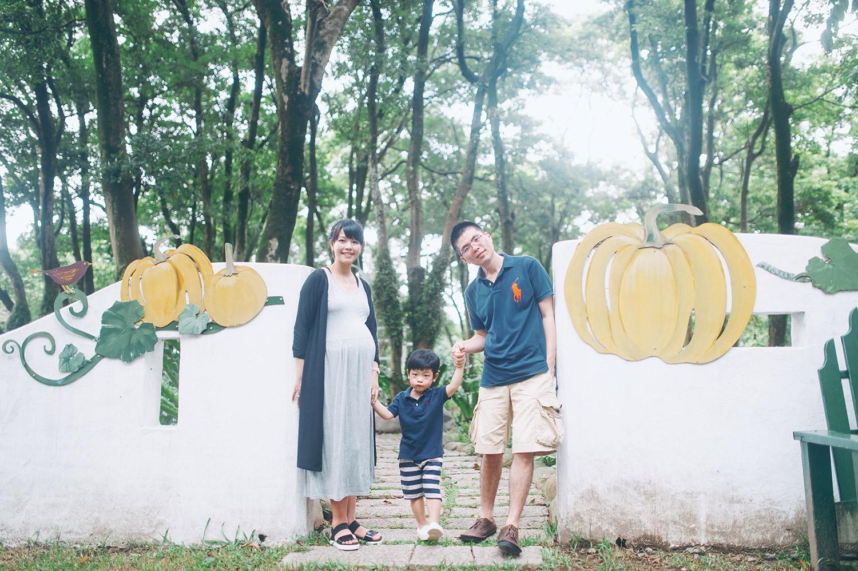 family_kid_001_037